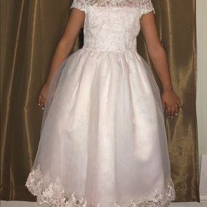 Kids girls white fancy dress size 8